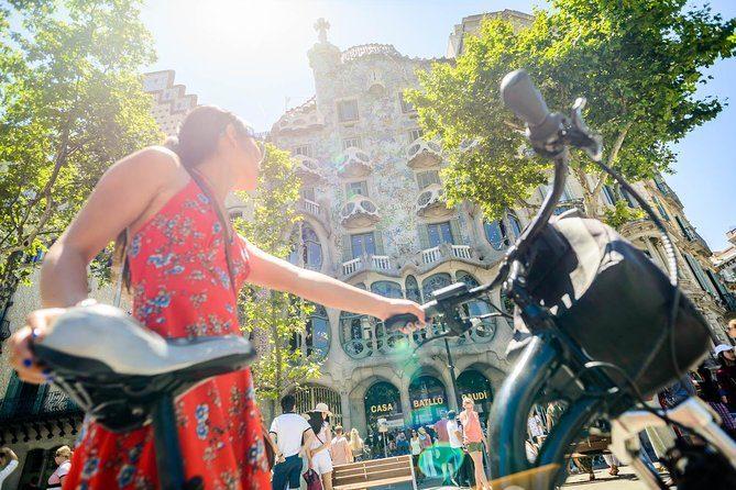 Bicicletta davanti Casa Batllò, Barcellona