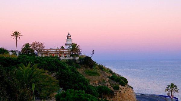 Faro di Calella al tramonto
