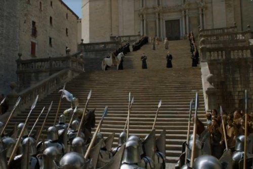Trono di Spade sulla scalinata della cattedrale di Girona