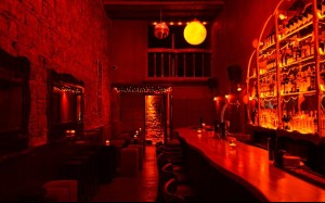 Gli interni di Rubi Bar