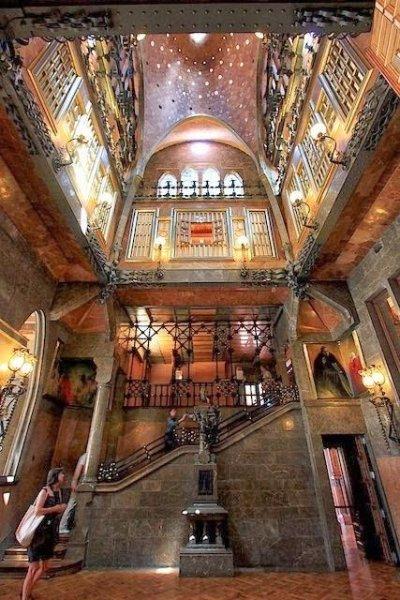 Salone e cupola di Palazzo Güell